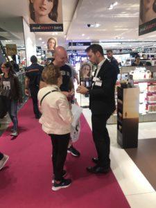 Magicien mentaliste à Genève pour le lancement du parfum Terre d'Hermès au magasin Manor Genève